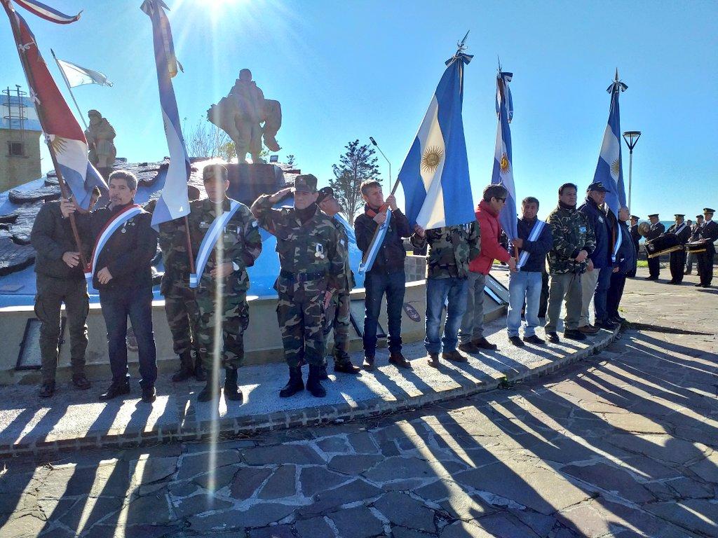 #Madryn a 37 años del retorno al continente de nuestros héroes, recordamos y homenajeamos a aquellos que se quedaron en las Islas, dejando su vida defendiendo a la patria en las islas #Chubut #Malvinas #ElDiaQueMadrynSeQuedóSinPan