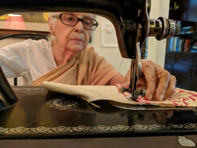 """Latika Chakravorty is 89, but her philosophy is clear- one is never too old to be an #Entrepreneur  Started an #OnlineBusiness ''giving old Saris a new look"""", making beautiful Potli Bags, decorated drawstring pouches herself ! Gets orders from countries like Germany, New Zealand<br>http://pic.twitter.com/mIsOnxmSpP"""