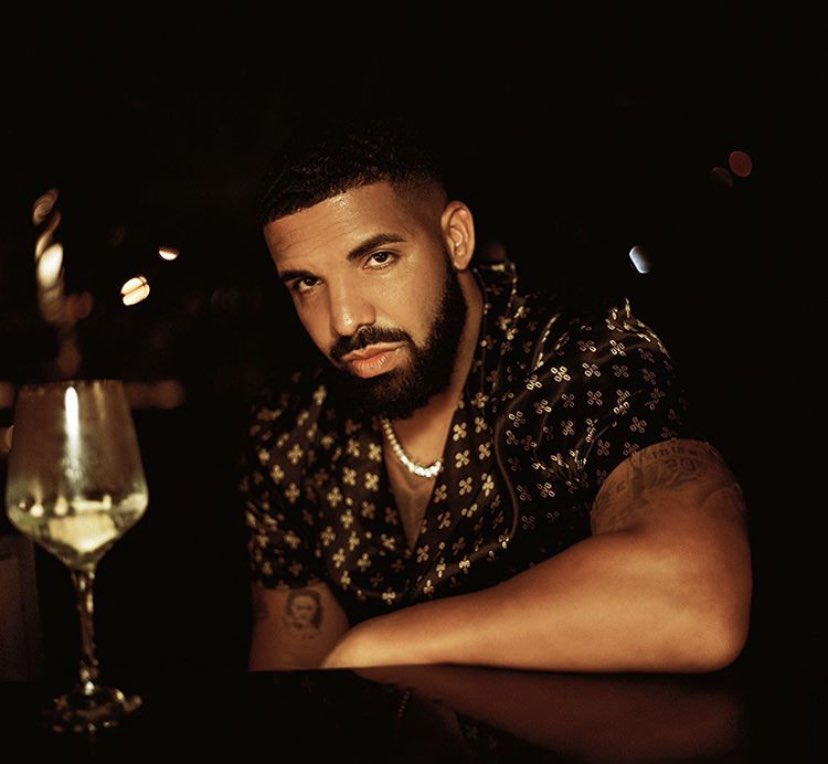 Wow. Drake looks good😳