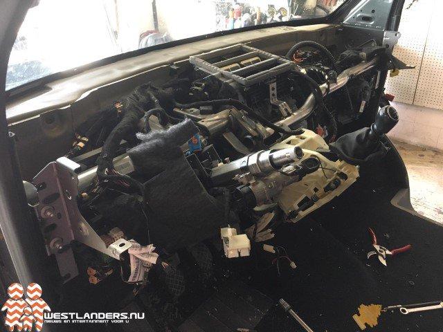 Volkswagen Transporter binnen 3 uur gestript terug gevonden https://t.co/Wncz1XZD3a https://t.co/uubKXzXUtz