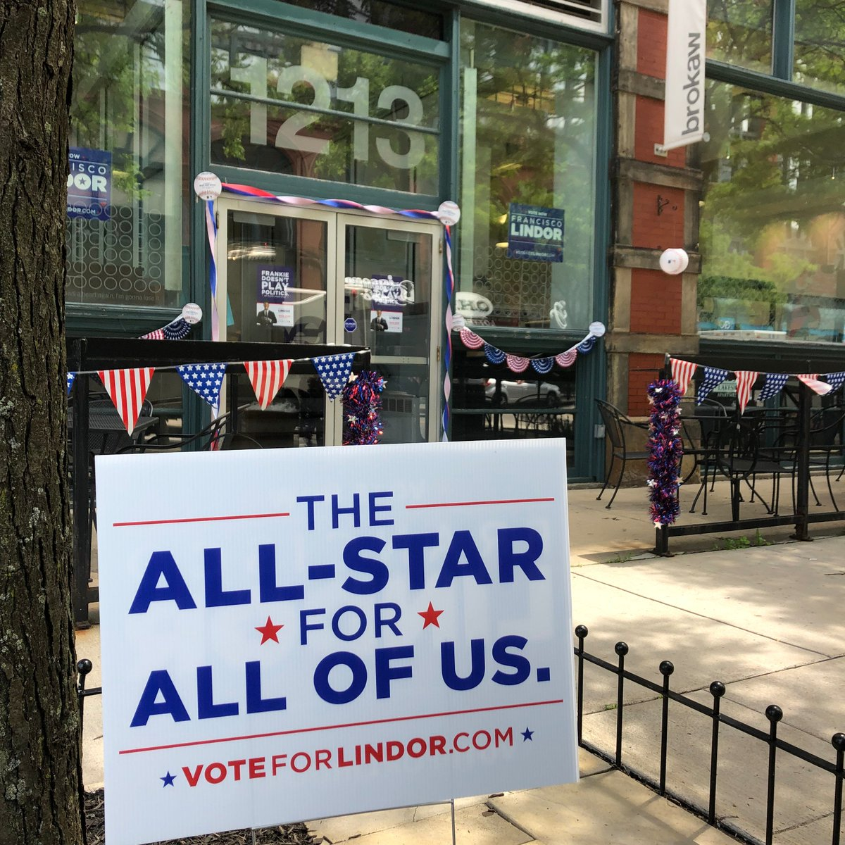 Cleveland deserves an All-Star like Francisco Lindor – and now is the time to make sure it happens! First 40 fans to stop by the corner of W. 6th and Lakeside Ave. at 4 pm will take home their own Vote @Lindor12BC yard sign. #VoteLindor