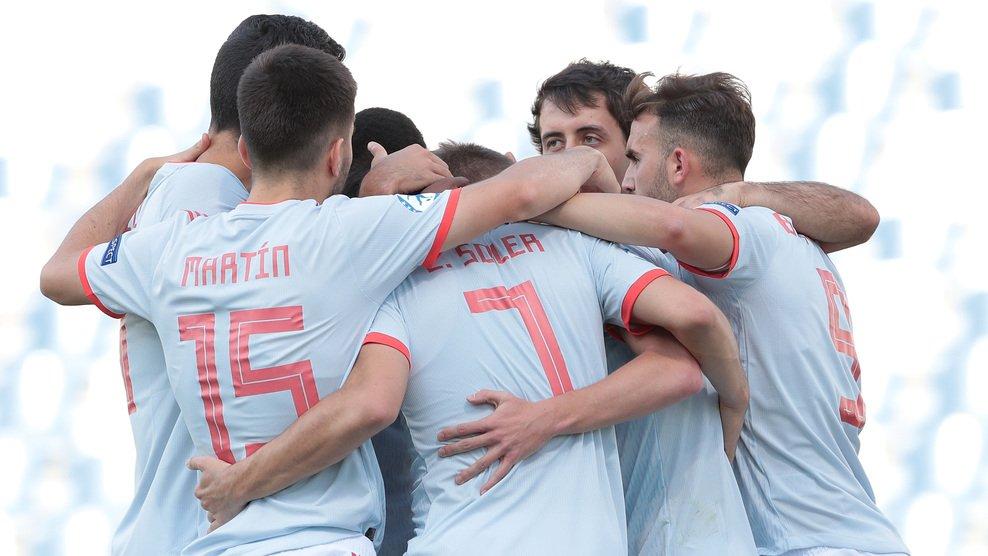 Los jugadores de España celebran el primer gol (Foto: FIFA).