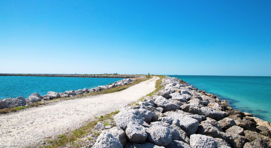 The second city just found its way into your travel plans. Read more to find out what you're missing out on.   #Bahamas #FlyAway to #GrandBahama #TourismToday http://fal.cn/ssJL