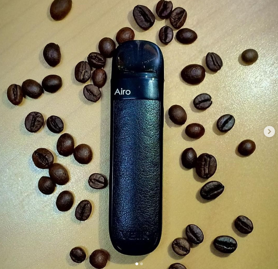 Two things indispensable in my life, coffee and vaping.⁣ ⁣Whats yours?⁣ ⁣@koempeni Thanks for the nice pics.👍👍👍⁣ ⁣#vaping #vapingcommunity #vapingstyle #vaping💨#vapingisthefuture #vapingsavedmylife #vapingsaveslives #vapinglife⁣ ⁣#caffee #life #veiik #veiikairo ⁣