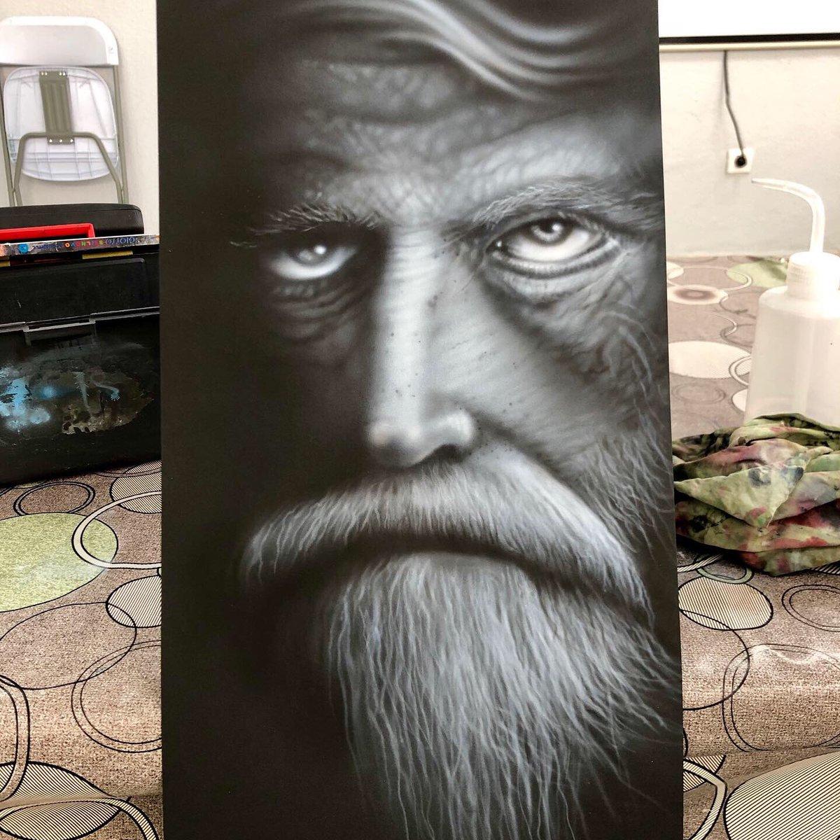 Así quedó terminado. #aerografia #custompaint #aerografiasevilla #ArteYArt #arte #MiercolesDeBarbas