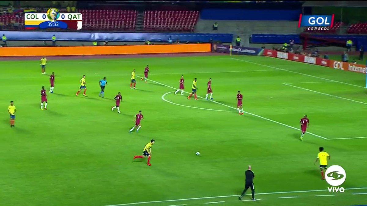 #VamosColombia ¡La tuvo Medina! Por poco el remate del lateral colombiano termina en gol contra Catarhttps://copaamericaenvivo.gol.caracoltv.com/
