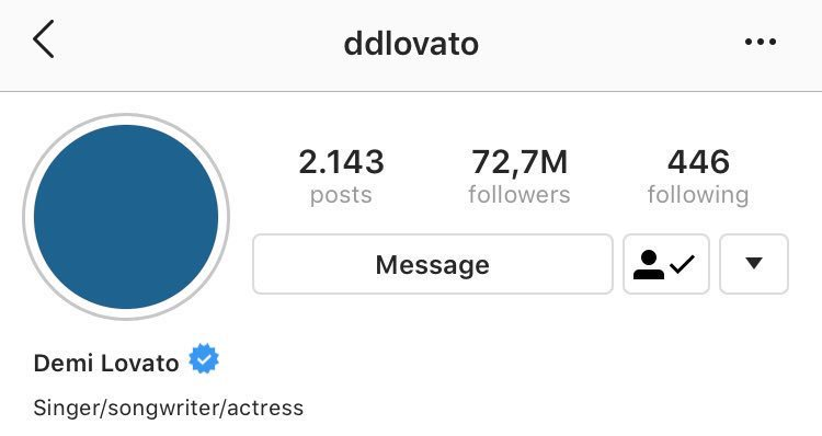 """Demi changed her bio of her Instagram page from """"Singer, Songwriter, Actress, Entrepreneur, Philanthropist """" to """"Singer/songwriter/actress"""". <br>http://pic.twitter.com/G81M5weY9X"""