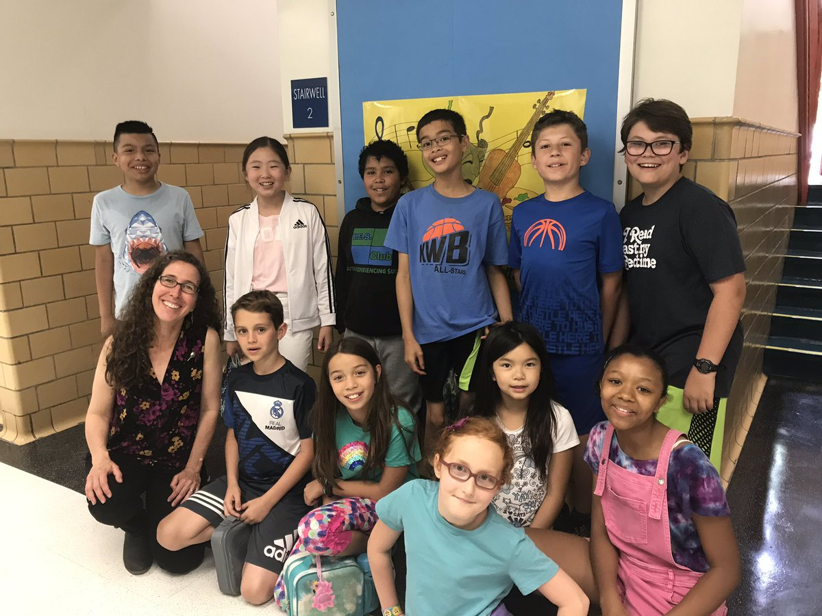 5th graders got a special opportunity to have lunch with <a target='_blank' href='http://twitter.com/lisakschnell'>@lisakschnell</a>. Students shared their favorite books and shared their writing life. <a target='_blank' href='http://search.twitter.com/search?q=workinglunch'><a target='_blank' href='https://twitter.com/hashtag/workinglunch?src=hash'>#workinglunch</a></a> <a target='_blank' href='http://search.twitter.com/search?q=Bookapalooza2019'><a target='_blank' href='https://twitter.com/hashtag/Bookapalooza2019?src=hash'>#Bookapalooza2019</a></a>  <a target='_blank' href='http://search.twitter.com/search?q=BookinintoSummer'><a target='_blank' href='https://twitter.com/hashtag/BookinintoSummer?src=hash'>#BookinintoSummer</a></a> <a target='_blank' href='http://search.twitter.com/search?q=kwbpride'><a target='_blank' href='https://twitter.com/hashtag/kwbpride?src=hash'>#kwbpride</a></a> <a target='_blank' href='https://t.co/Wm4hq91zRh'>https://t.co/Wm4hq91zRh</a>