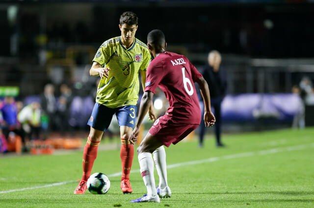 #VIDEO Stefan Medina tuvo el primer gol de Colombia: su remate se fue rozando el palo  http://tinyurl.com/yy6ecpjs #VamosColombia