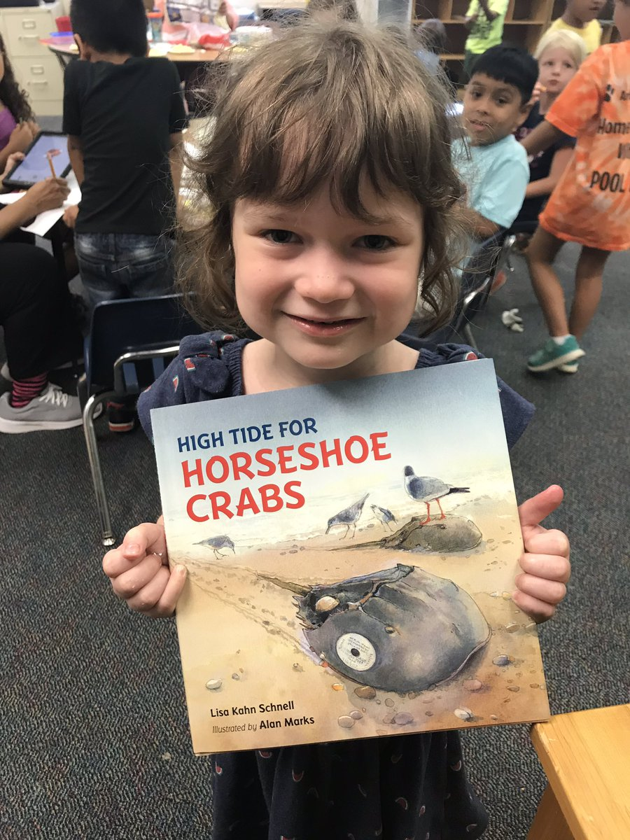 Students got to go home with their own copy of High Tide for Horseshoes Crabs <a target='_blank' href='http://twitter.com/lisakschnell'>@lisakschnell</a>. Thanks to <a target='_blank' href='http://twitter.com/PajamaMamaJSP'>@PajamaMamaJSP</a> and <a target='_blank' href='http://twitter.com/ReadEarlyDaily'>@ReadEarlyDaily</a>. These students have another great book for summer reading. <a target='_blank' href='http://search.twitter.com/search?q=Bookapalooza2019'><a target='_blank' href='https://twitter.com/hashtag/Bookapalooza2019?src=hash'>#Bookapalooza2019</a></a> <a target='_blank' href='http://search.twitter.com/search?q=BookinintoSummer'><a target='_blank' href='https://twitter.com/hashtag/BookinintoSummer?src=hash'>#BookinintoSummer</a></a> <a target='_blank' href='http://search.twitter.com/search?q=kwbpride'><a target='_blank' href='https://twitter.com/hashtag/kwbpride?src=hash'>#kwbpride</a></a> <a target='_blank' href='https://t.co/zLFIXR60KN'>https://t.co/zLFIXR60KN</a>