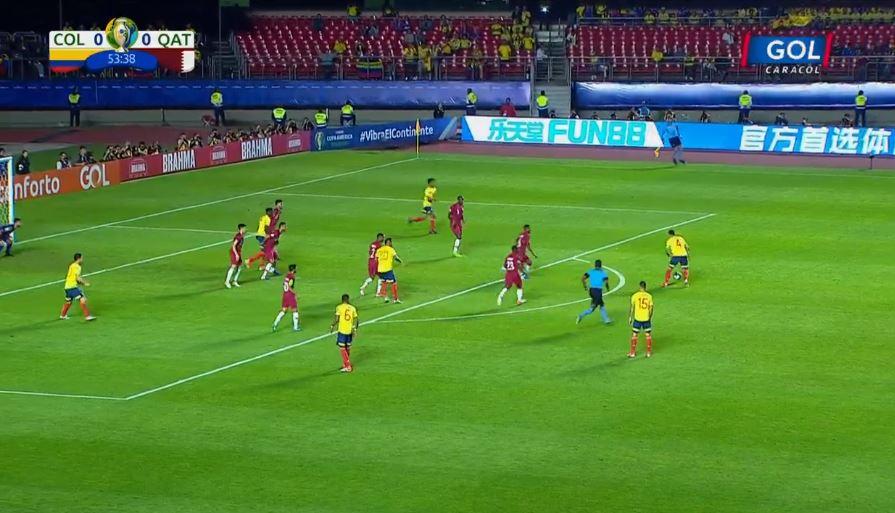 Los roles no cambian en este segundo tiempo. Colombia sigue sumando opciones de gol, pero Catar se defiende bien: http://bit.ly/2WJ3RTA#VamosColombia