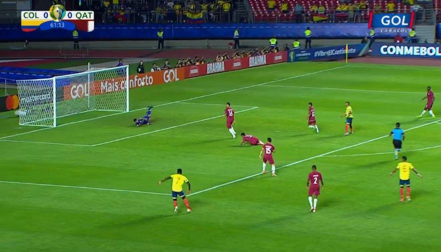 R. Martínez la tuvo, pero de nuevo Saad Al Sheeb salva a Catar de recibir el primero. Seguimos 0-0: http://bit.ly/2WJ3RTA#VamosColombia