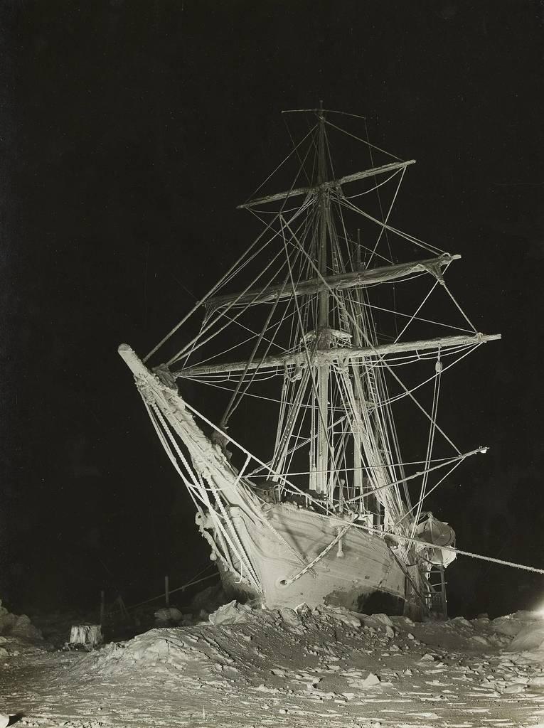 shackletons lost ship endurance - 765×1024