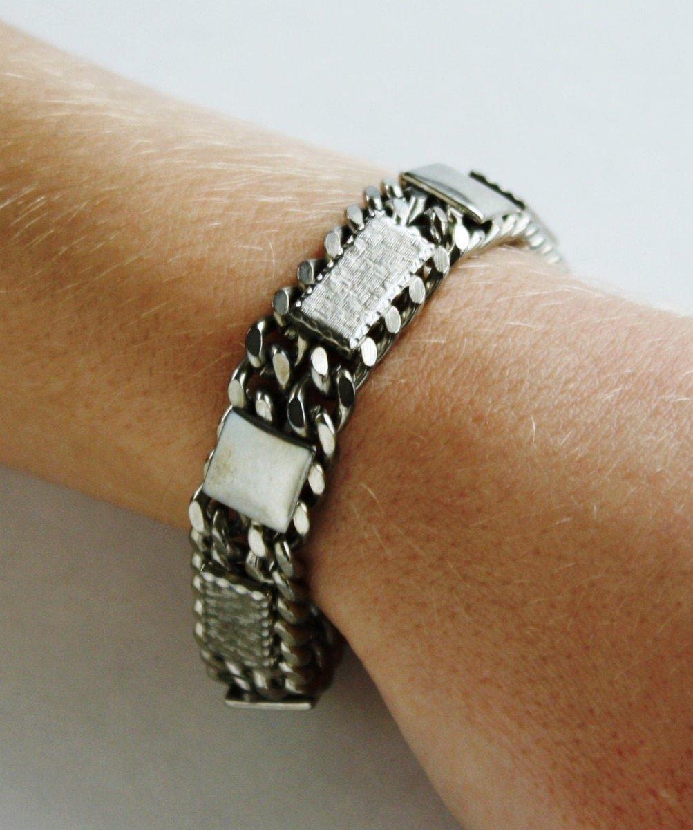 #Vintage silver Metal Link Bracelet #retro #classic #etsy #jewelry #bracelet #silver #midcentury #mod #vintagejewelry #vintagefashion  https://etsy.me/2Zw4rpx
