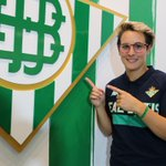 Image for the Tweet beginning: ⚽️Priscila renueva con el @RealBetisFem