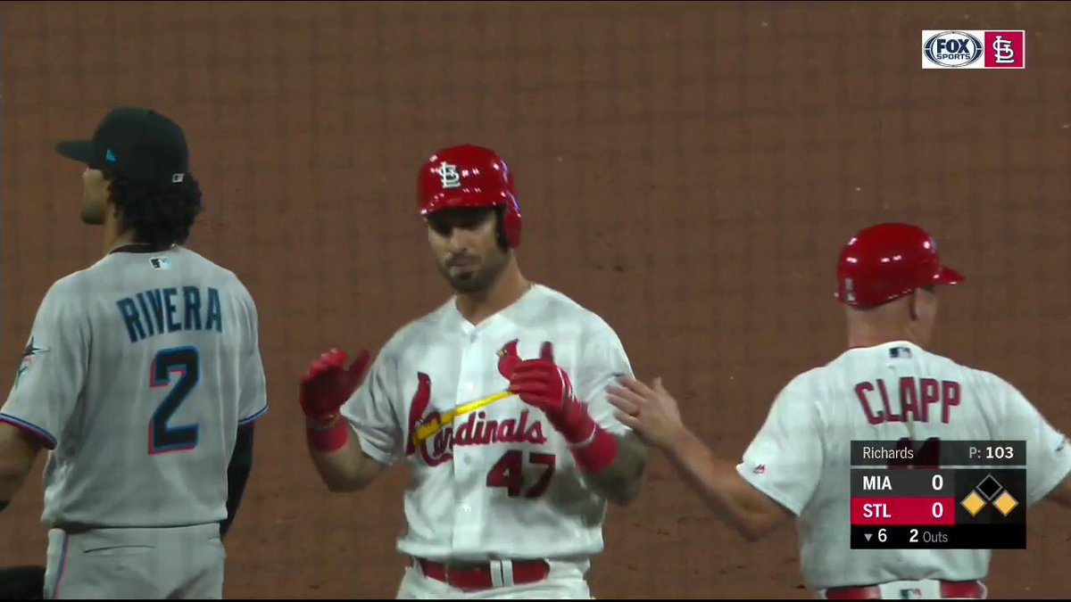 After years in the minors, Rangel Ravelo has made it. He picks up the first hit in his MLB career! #TimeToFly Tune in on FSMW and FSGO: a.fsgo.com/Ok84deTWhX