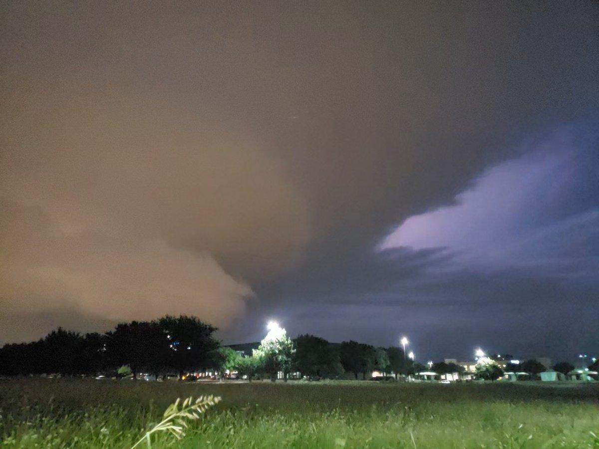 Thunderstorm w/tornado watch as seen from Allen, TX