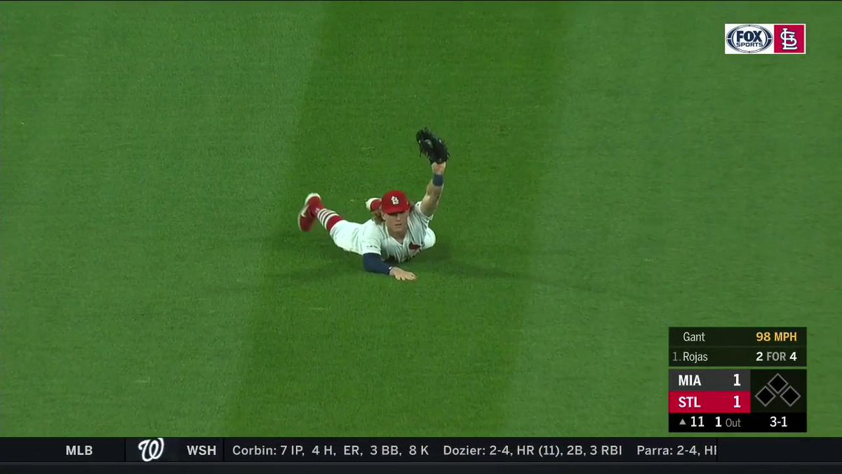 WHAT A PLAY! Harrison Bader with the 5⃣⭐️ catch. #TimeToFly Tune in on FSMW and FSGO: a.fsgo.com/Ok84deTWhX