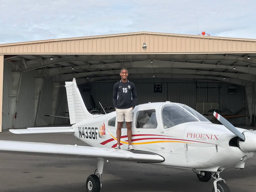 Guess whose son is a 18 year old pilot.......✋🏽 Mine! #ProudMama #GotHisWings