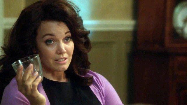 Mellie dá uma entrevista bombástica pra reverter a opinião pública hoje! 💣💥#EscândalosOsBastidoresDoPoder