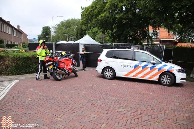 Man overleden gevonden in bedrijfswagen https://t.co/tkSCuDNio5 https://t.co/hzw7Hp1VYa