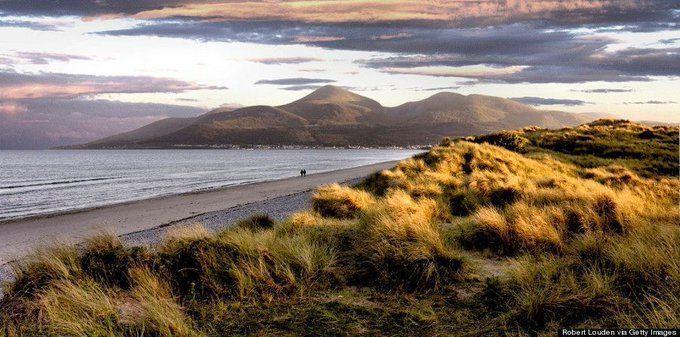 RT @tripplannermama: The Mourne Mountains, Northern Ireland by Robert Loudon #photography  #travel #landscape https://t.co/zfmu2EKTeB