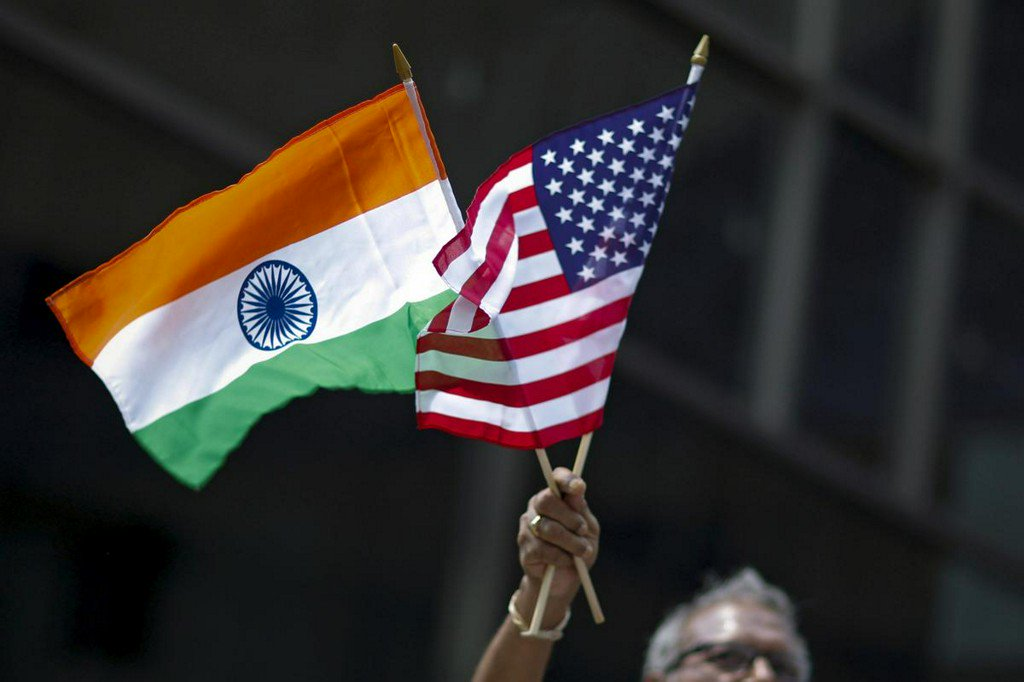 Exclusive: U.S. tells India it is mulling caps on H-1B visas to deter data rules - sources http://www.reuters.com/article/us-usa-trade-india-exclusive-idUSKCN1TK2LG?utm_campaign=trueAnthem%3A+Trending+Content&utm_content=5d0b2818e84fc20001cf0c96&utm_medium=trueAnthem&utm_source=twitter…
