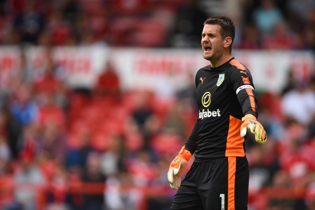 Aston Villa or Bournemouth might signal Tom Heaton after he rejected a brand newcontract  https:// worldsportsmemorabilia.info/football/2019/ 06/20/aston-villa-or-bournemouth-might-signal-tom-heaton-after-he-rejected-a-brand-new-contract.html  … <br>http://pic.twitter.com/Ld2RFMcsom