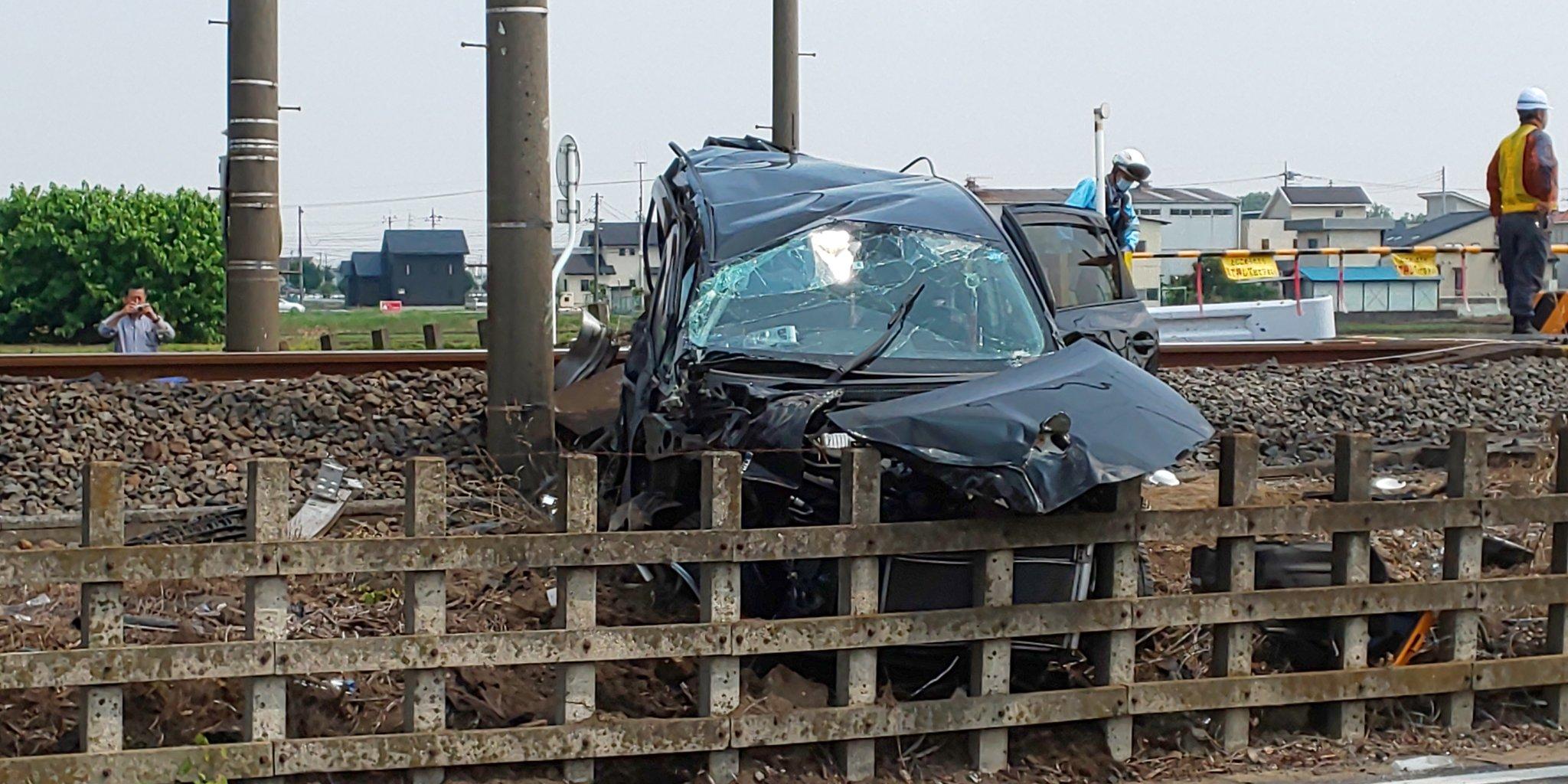 東武伊勢崎線の韮川駅~太田駅間で踏切事故の現場画像
