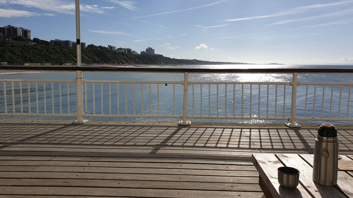 Today's tea drinking location #Bournemouth pier. <br>http://pic.twitter.com/uFAf1jfRDb