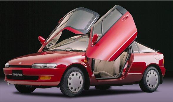 test ツイッターメディア - 若い人は知らないだろうなぁ、トヨタ セラ。バブル時代に4年間ほど生産された、ガルウィングドアとグラストップが特徴の1.5Lガソリン小型量産車。これ本気で市販するのかよ、と驚いた記憶。なお私はこの頃、バイトで貯めた金で買ったS13日産シルビアQ'sというデートカー(中古車)に乗っていた模様。 https://t.co/HISvUWjIpk