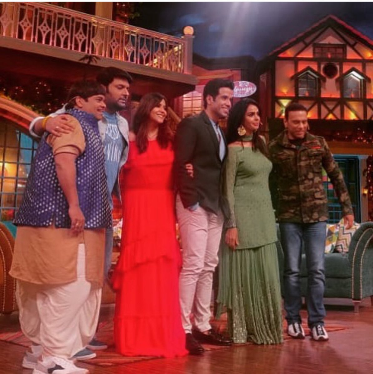 Kapil Sharma Show Cast Name With Pics