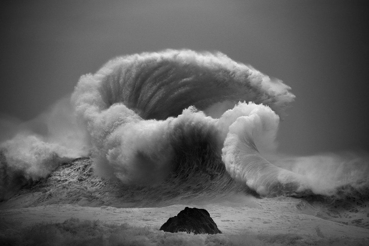 RT @pg2paloma: The power of the Ocean ...  Luke Shadbolt #photography #art https://t.co/iBe9UP2JhW