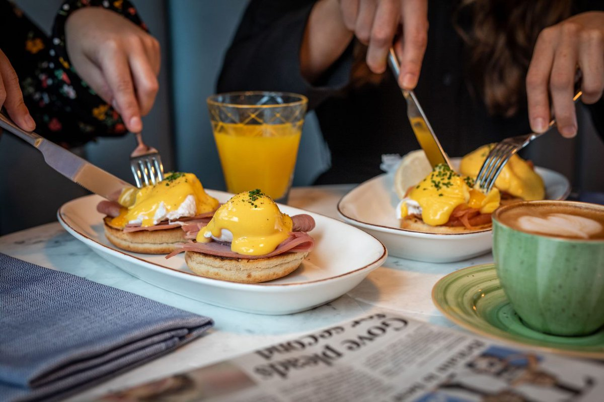 Set yourself up for the day ahead.  Whether your visit is for business or leisure, ensure you start your morning with a hearty breakfast, like our delicious eggs Benedict. Check out our breakfast menu → https://bit.ly/2GK7FR2 #Breakfast #Brunch #CanaryWharf