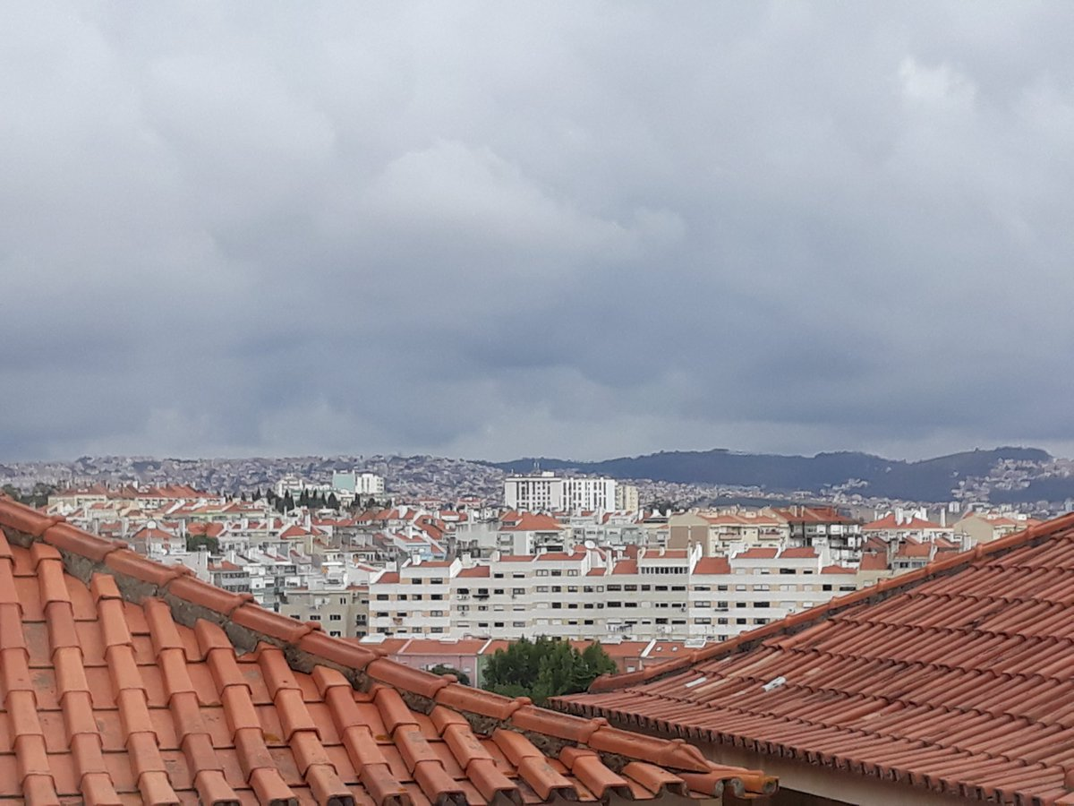 Not a bad view from the Polytechnic Institute of Lisbon! #ICAIS19 @artsinsociety Looking forward to #Healing & #Wellbeing presentations on #Dance #Storybooks #Arts & of course presenting my doctoral research #CreativeAgeing 💃🏽📚🎭✒ @BSGcreativeSIG @AgeofCreativity