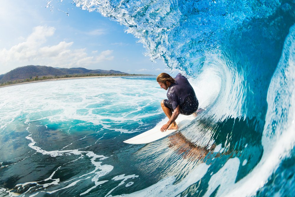 Love to catch a wave? Where's your dream Stateside surf spot? #InternationalSurfingDay 🏄♀️ https://t.co/EaOE1sUEYa