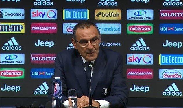 Sarri counting with Higuaín at Juventus