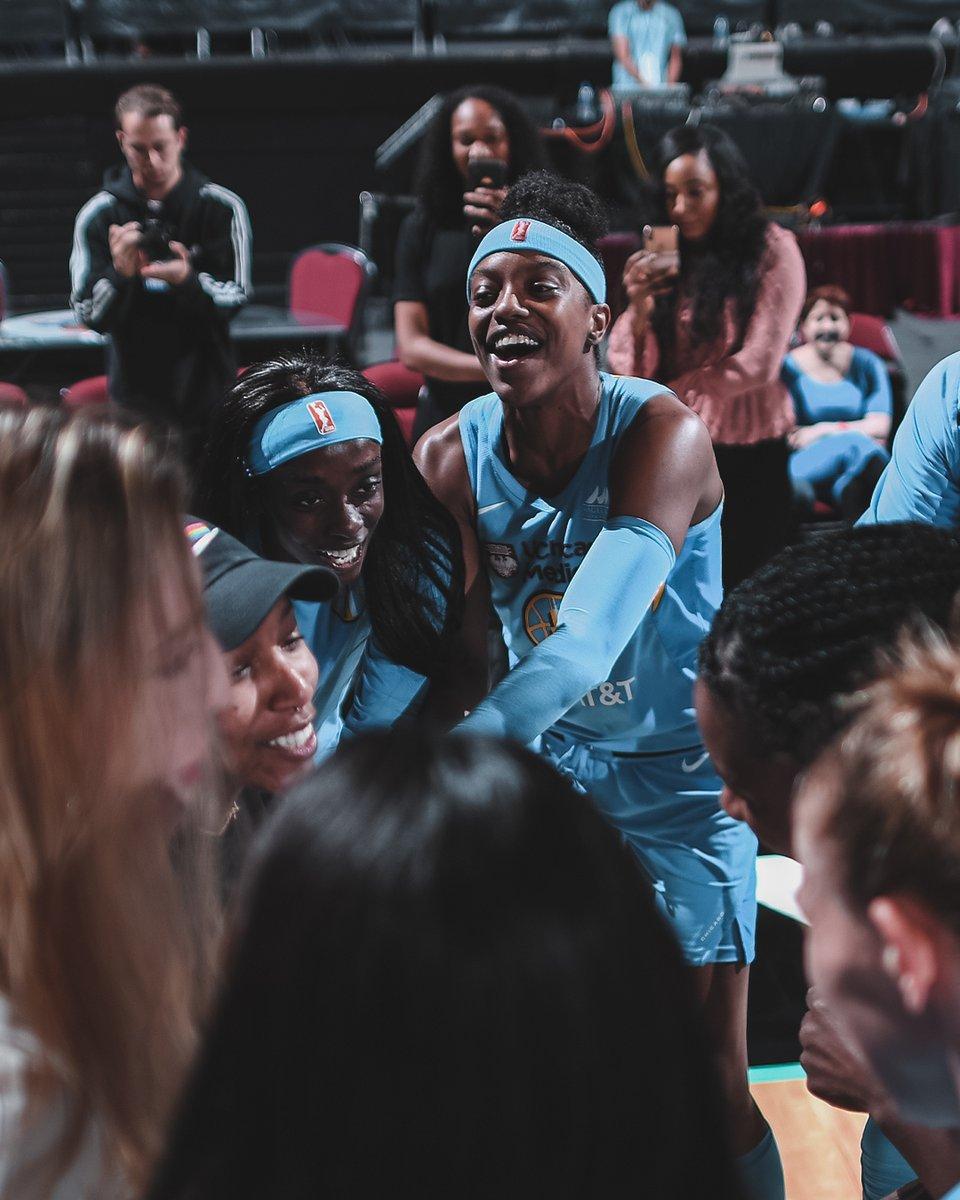 Le Chicago Sky tente et réussi le challenge Julien Lepers : 4 à la suite ! Belle victoire à NY cette nuit pour poursuivre la belle dynamique actuelle, avec une superbe prestation collective et une défense de + en + intéressante :  #WNBA  https://chicagobullsfrancecom.wordpress.com/2019/06/20/chicago-sky-new-york-liberty-19-06-19/…