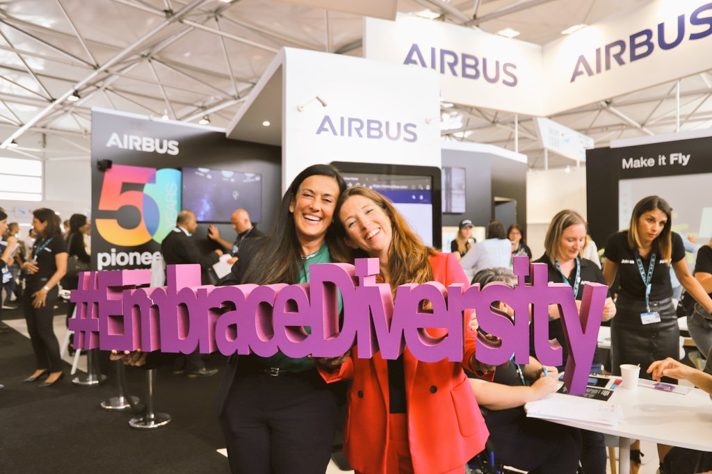 What a pleasure to welcome @graziavittadini, Airbus CTO and @julie_kitcher, Airbus EVP Communications & Corporate Affairs at our stand at @salondubourget today - Two very inspiring role models for gender diversity in aerospace! #Airbus #EmbraceDiversity #WeAreAirbus