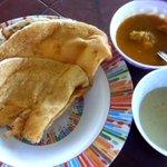 Image for the Tweet beginning: 明日はスリランカ屋台。 カレーに合うクレープ風のパンです。 ふわふわ、ボリュームたっぷりです。      #スリランカ #キャンディ #屋台