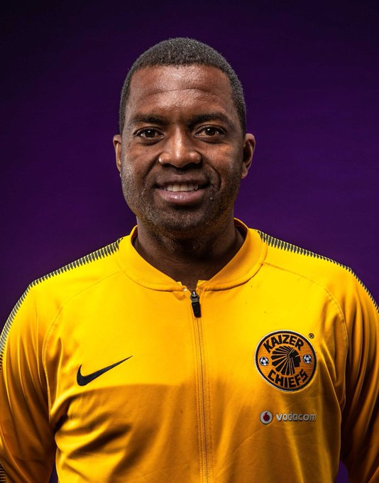 Guys lare Itumeleng Khune is turning 32 years today? Maar legale happy birthday.