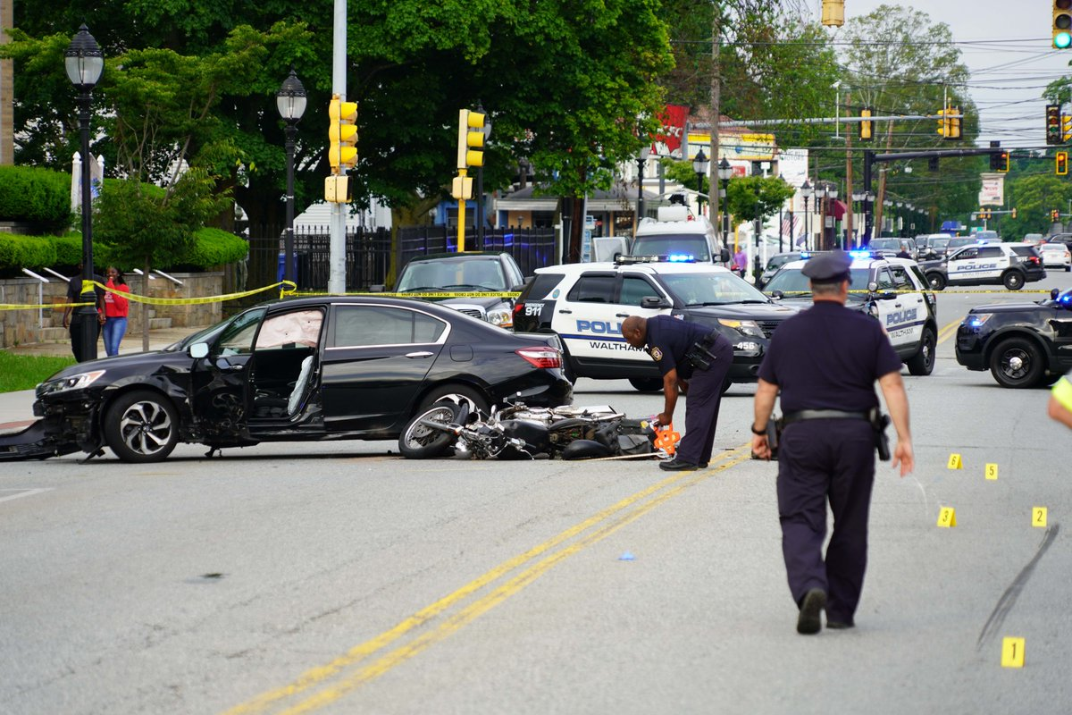 17-year-old Waltham motorcyclist involved in Wed crash at 557 Main