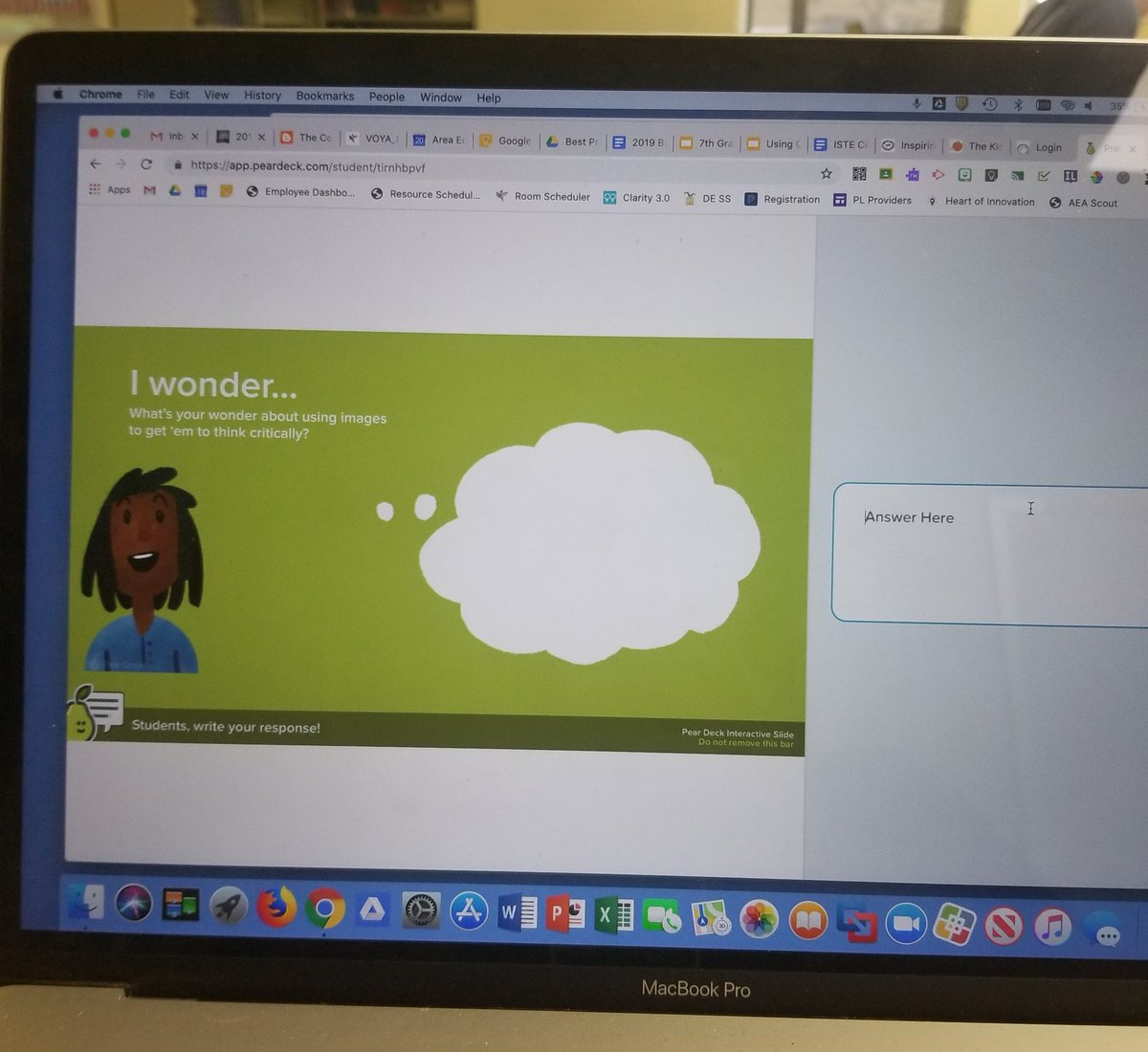 Nice use of @PearDeck by @tjyoungers in session about getting students to think critically #iasocialstudies