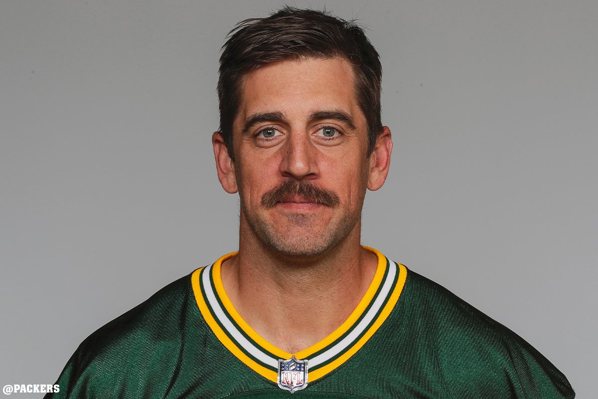 Dov Kleiman On Twitter Aaron Rodgers New Headshot Makes You Think He Knows How To Chug Beer
