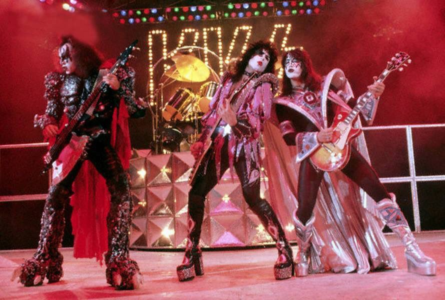 "June 20, 1979 On this day 40 years ago @KISSOnline film their videos for ""I Was Made For Loving You"" & ""Sure Know Something"" in Savannah, Georgia.  I Was Made For Loving You would go on to be their biggest international hit! See them perform it on the #EndOfTheRoad tour! <br>http://pic.twitter.com/1FHGENEUbr"