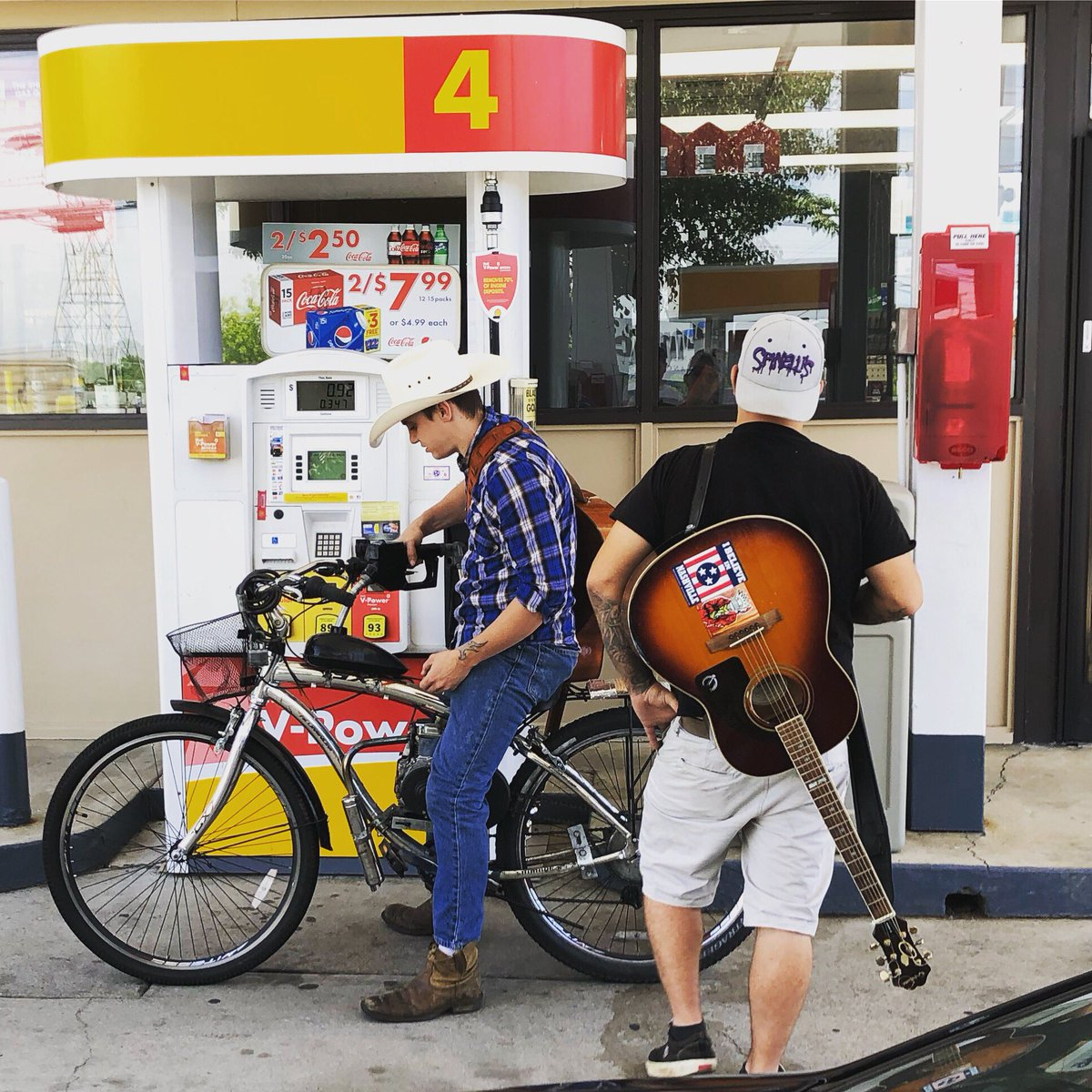 Why I like #nashville ... 2 guys rolling into the gas station on a pedal bike — with a custom motor —putting 1 gallon of gas in it to get to their next busking gig in #12south. The dream has to start somewhere. Go get it. #dreambig #musicianlife #ThursdayThoughts #HappyMidsummer <br>http://pic.twitter.com/l8RniRDgpK