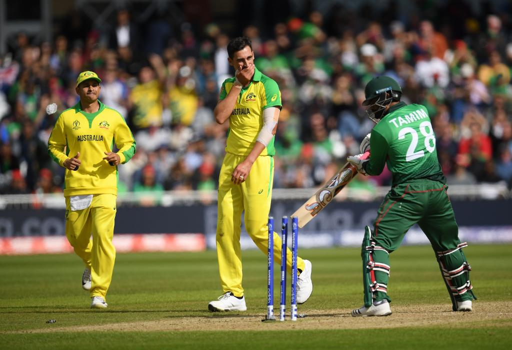 Australia are still on top at the second drinks break, but Bangladesh are refusing to say die!The Tigers need 198 off the last 18 overs.Head to @cricketworldcup to follow the closing stages.#CWC19