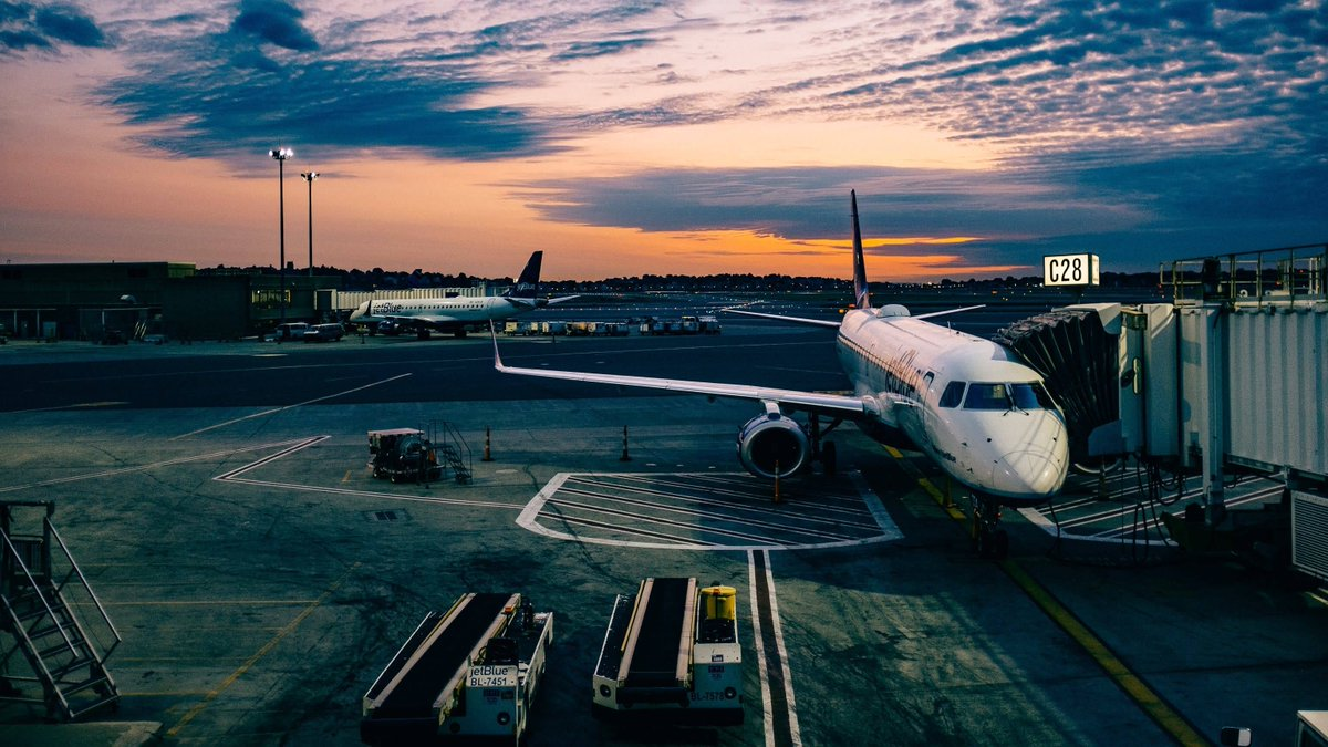 RT @lifehacker: How to never miss a connecting flight https://t.co/5XqWrPp6dF https://t.co/8VCbKtTXtI