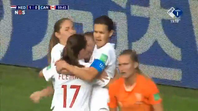 Nederland - Canada 1-1 door Christine Sinclair
