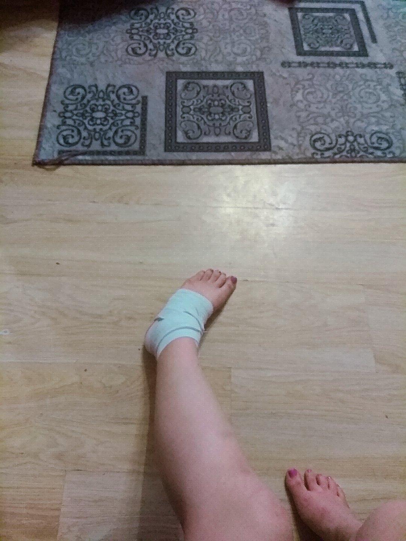 podvernula-nogu-seks-video